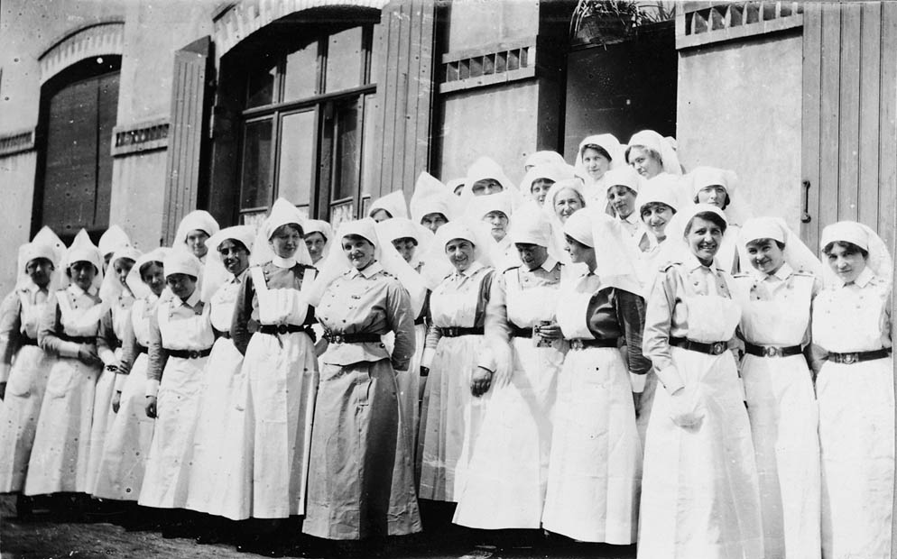 Nursing Sisters in France. Library and Archives Canada.